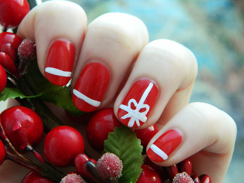 decoracion-de-unas-navidena-en-rojo-y-blanco